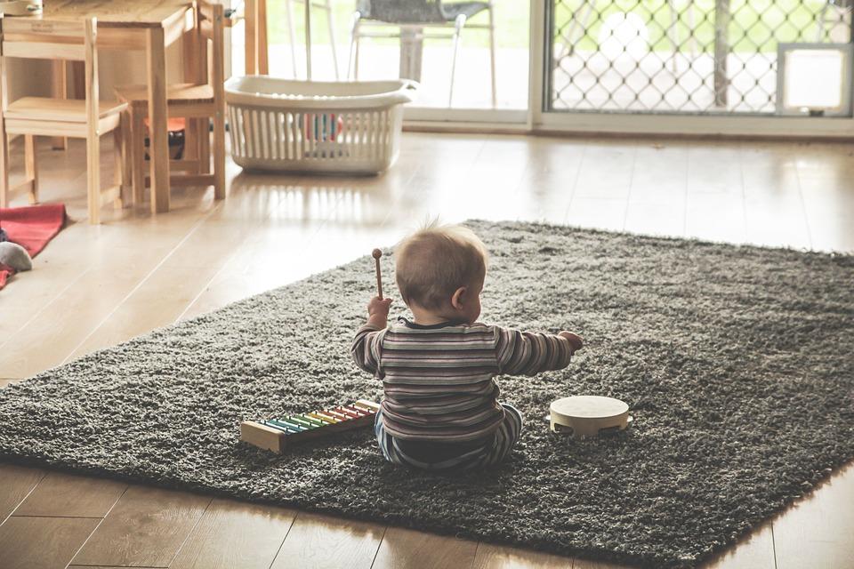 Pourquoi commencer par la peinture lorsque nous aménageons une chambre de bébé?