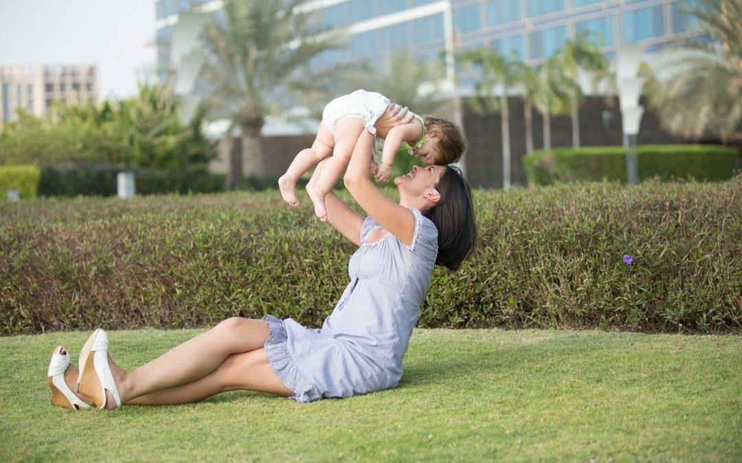 Faut-il utiliser le langage de bébé pour parler aux enfants en bas âge?
